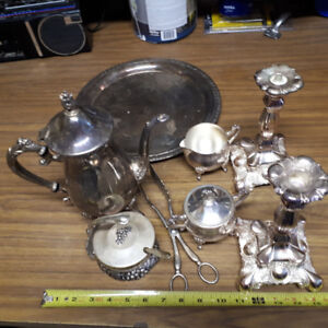 Teapot set made out of brass;  Teapot, container for milk, conta