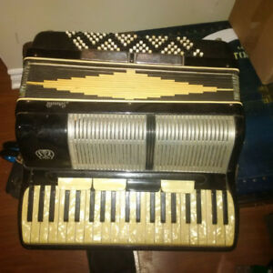 Two Accordions for beginner or project