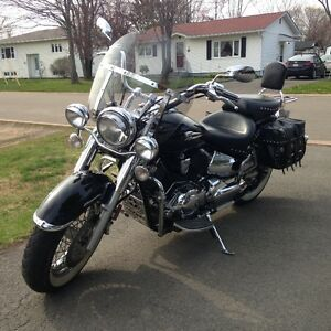 2006 Yamaha Vstar 1100 Classic. Reduced!