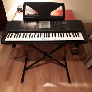 •	Yamaha PSR-530 Music Workstation