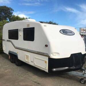 FUTURE SYSTEMS 18ft CARAVAN WITH ENSUITE Tinana Fraser Coast Preview