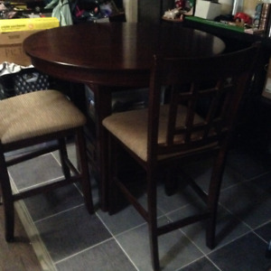 Oak pub style table and chairs