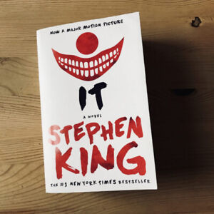 IT by Stephen King - Trade Paperback - New/Unread