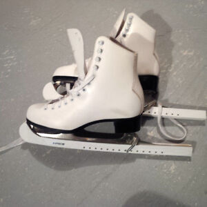 SIZE 6 LADIES FIGURE SKATES WITH GUARDS, USED TWICE