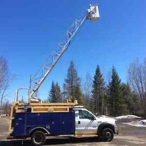 2006 Ford-550 Bucket Truck