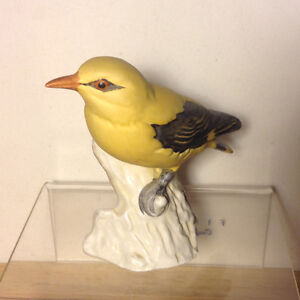 Porcelain Goebel Yellow Golden Oriole Loriot Bird Figurine Vancouver Greater Vancouver Area image 6