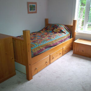 Bunk/Twin Beds and Dressers
