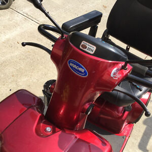 Pegasus INVACARE hardly used, just like new London Ontario image 8