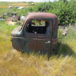 FOR SALE ANTIQUE TRUCK/ PARTS