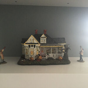 VILLAGE OF HORROR CLASSICS COLLECTIBLE HOUSES Kitchener / Waterloo Kitchener Area image 4