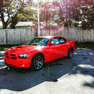 2010 Dodge Charger sxt with leather /2 sets of wheels