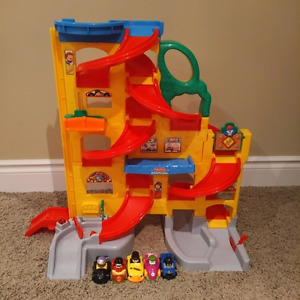 Fisher Price Little People Wheelies Stand and Play