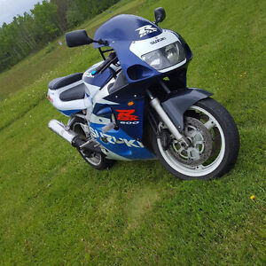 1998 Suzuki GSXR 600 Great Shape **REDUCED TO SELL**