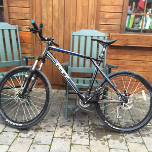GT Avalanche 3.0 - Excellent Condition Hardtail Mountain Bike