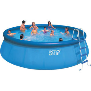 Intex 18' above ground pool with Salt Water Chlorinator