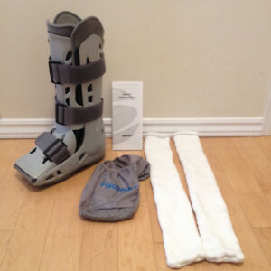 Aircast Walker Boot - Size M - Left or Right use