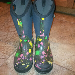 Bogs boots for girls - size 3 Kitchener / Waterloo Kitchener Area image 1