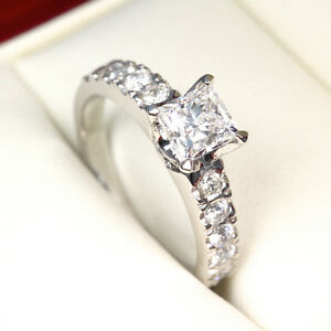 Diamond engagement ring 1.75CTW Bague de fiançailles en diamants