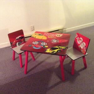 Child's play table with Chairs