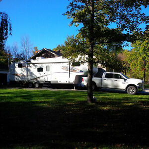 Fifth Wheel Chaparral