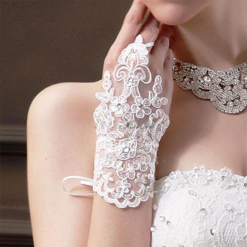 Lace Rhinestone White Fingerless Bridal Wedding Wrist Gloves One Size New.