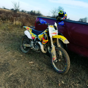 SUZUKI RM125 DIRTBIKE FRESH REBUILT TOP END WITH OWNERSHIP