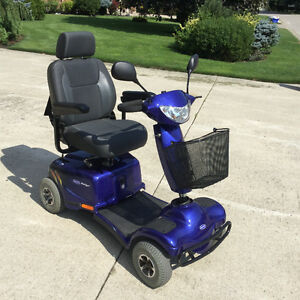 INVACARE Auriga 4 wheel mobility scooter showroom condition
