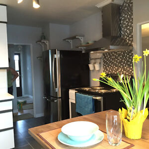 Pet Friendly & Renovated Home in Sherbrooke Area!