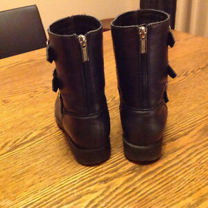 LADIES KENNETH COLE BOOTS London Ontario image 2