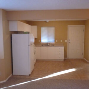 2Bd Bright Ground level Suite (Utilities and Wifi Included)