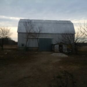 Barn for rent between Tillsonburg and Aylmer