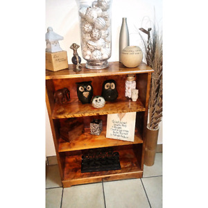 Wooden shelf  in great condition