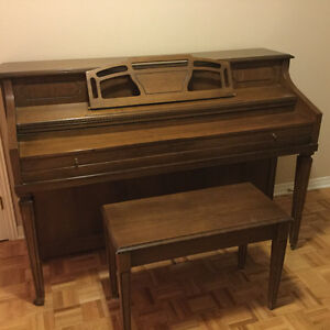 Mason & Risch upright piano West Island Greater Montréal image 1