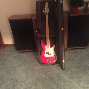 Peavey Fury Bass Guitar