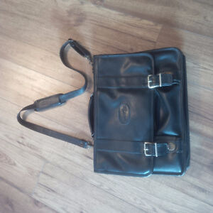 All Leather (Bugatti) Messenger Carry-On