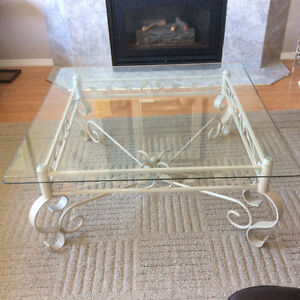 Belved glass coffee and end table