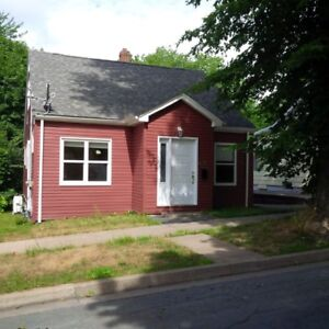 6533 Cork street,3 bdrm house,yard,west end, new hdwd,$1600
