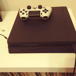 PS4 slim 500gb, one controller, 7 games