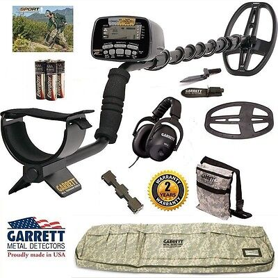 Garrett AT Gold Nugget Metal Detector with Camo Detector Bag, Headphones + More