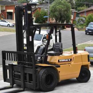 Caterpillar 5 Tonne Diesel Forklift Duel Wheel Low Hours