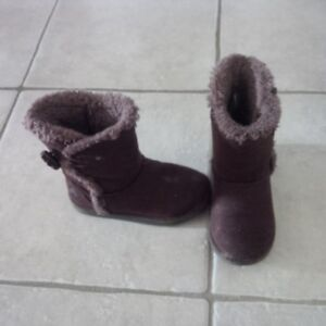 Like-new! Girl's Brown Airwalk Winter Boots, Size 10