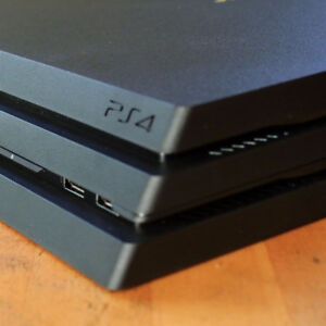 Digital World & Evergreen Traders want your PS4s!