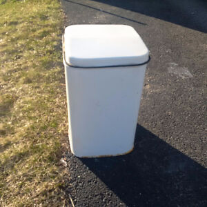 Vintage EKCO white RETRO Metal Foot Pedal Trash Can Garbage Wast