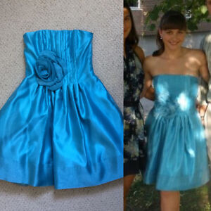 Beautiful blue strapless dress with POCKETS!