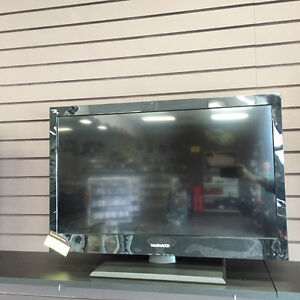 """32"""" MAGNAVOX LCD 720P TV GREAT CONDITION"""