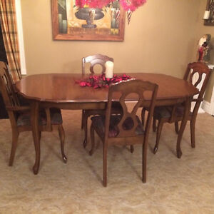 Looking to Buy older style dining set