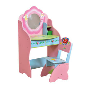 Little Girls Dressing Table & Chair | Gorgeous pastel pink colours