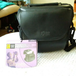 Case Logic camera camcorder shoulder bag