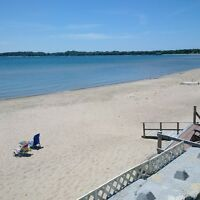 Crystal Beach Beauty!!!-Newer Cottage- Loaded!!