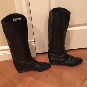 Designer Womens Black Leather Boots, Like New, Size 10N